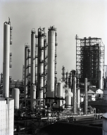 Richfield Co. refinery, fraction towers, and high pressure tank (spheroid) for L.P.G. storage.