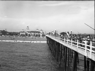 Models posing on the Balboa Pier.