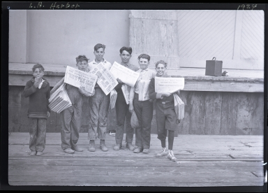 Newspaper Boys: Evening Express, Evening Herald, The Press, etc.