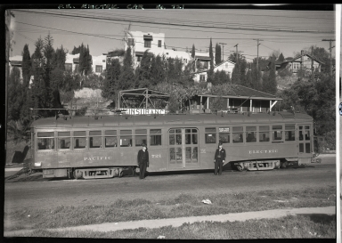 Pacific Electric car #721: 12th & Hill Streets, side view