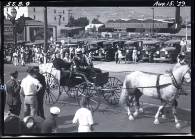 Old Spanish Days: horse and buggy in parade