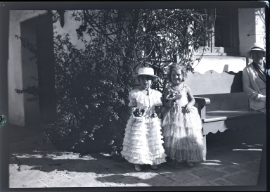Old Spanish Days: 2 young girls in spanish attire