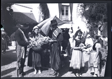 Old Spanish Days: flower girls in spanish dress