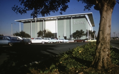 The exterior of  Buffums Palos Verdes location.