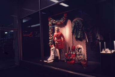 A Buffums holiday window display.