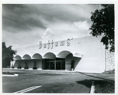 An exterior view of  Buffums original Marina del Rey location.