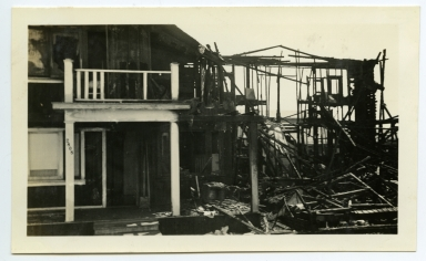 Earthquake damage to building at 2806 and 2808 West Ocean in Newport Beach