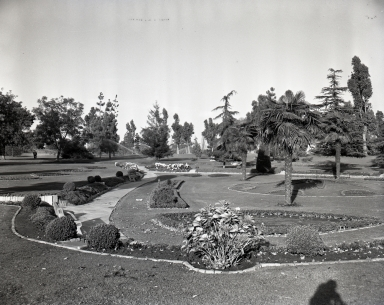 Recreation Park, from 7th and Park Ave. to Anaheim and Pacific Coast Hwy., site of tennis, golf, fly casting, pool, ornamental sunken gardens, golf clubhouse and starting house.