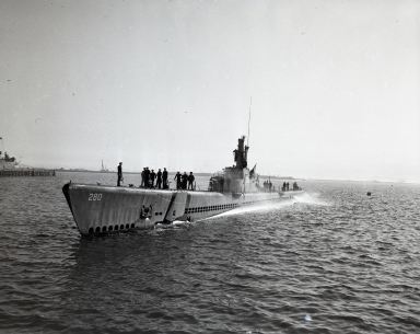 U.S. submarines visit Long Beach for Navy Day (Oct. 25, 1945).