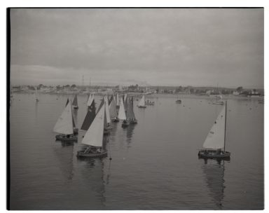 Small sailboats ('D' class) in the bay