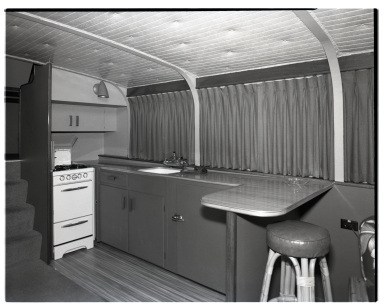 'Flying Saucer'interiors