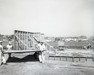 New Palmer building – first wall forms, 639 and 640