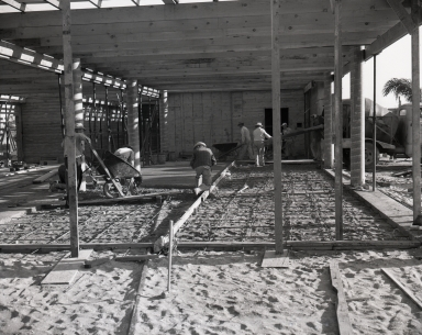 Construction of the Newport Balboa Savings and Loan building – air ducts & pouring floor (670-672).