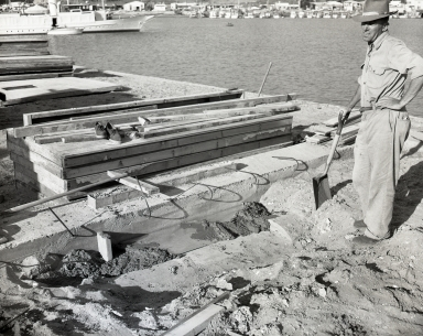 construction of the Newport Balboa Savings and Loan building – air ducts & second floor framing (673-675).